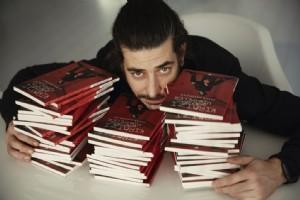 ALPER SALDIRAN'DAN ÜÇÜNCÜ KÝTAP ''KIRMIZI ODADAN HÝKÂYELER''