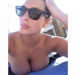 ASHLEY GRAHAM, BOND KIZI OLMAK ÝSTÝYOR