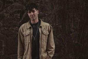 BERKEHAN ÇALIK'TAN 4 ÞARKILIK EP: ''YANLIÞLAR ÝÇÝNDE''