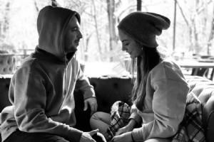 DEMET ÖZDEMÝR VE SEVGÝLÝSÝ OÐUZHAN KOÇ'TAN ROMANTÝK POZ