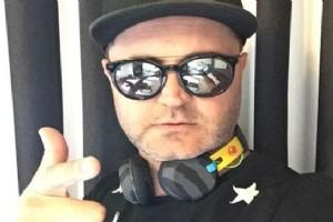 PALET ZENG�N, ALA�ATI'DA DJ KAB�N�NE GE�T�