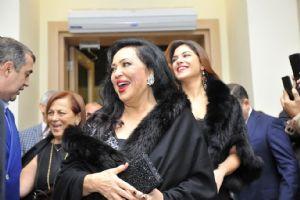 AZERBAYCAN'DAN TÜRKAN ÞORAY'A BÜYÜK ÝLGÝ!